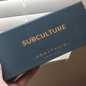 NEW & AUTHENTIC - SUBCULTURE ABH PALETTE❤️